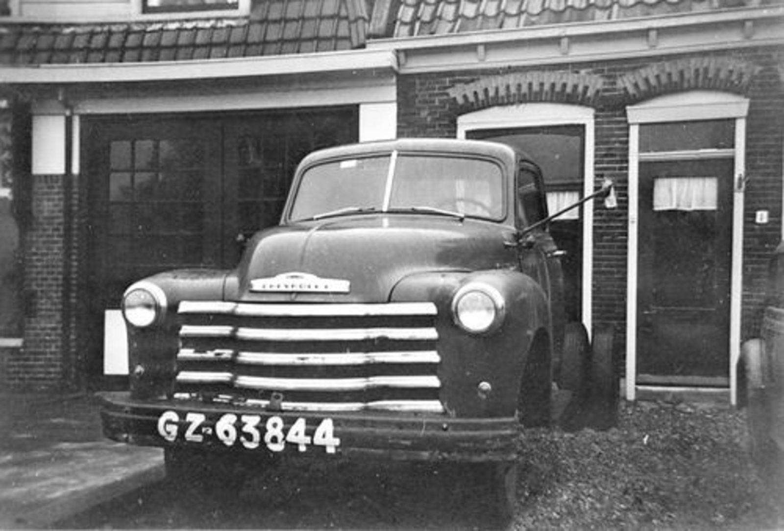 Marktplein N 0001 195_ met Chevrolet