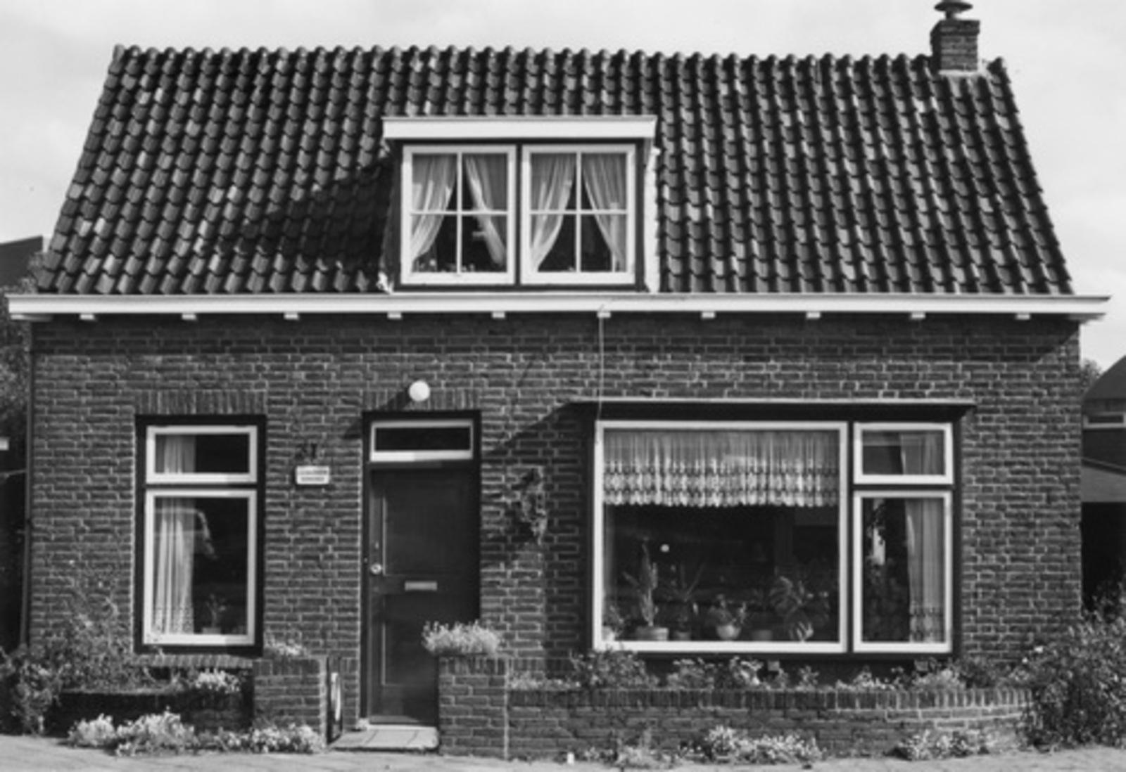 Marktplein N 0037 1978- Huize Aannemer Jan J den Ouden 01