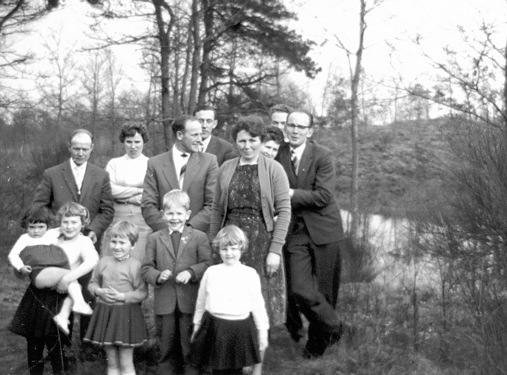 Meer Albertus vd 1935 1961 Uitjes met fam Akse 02