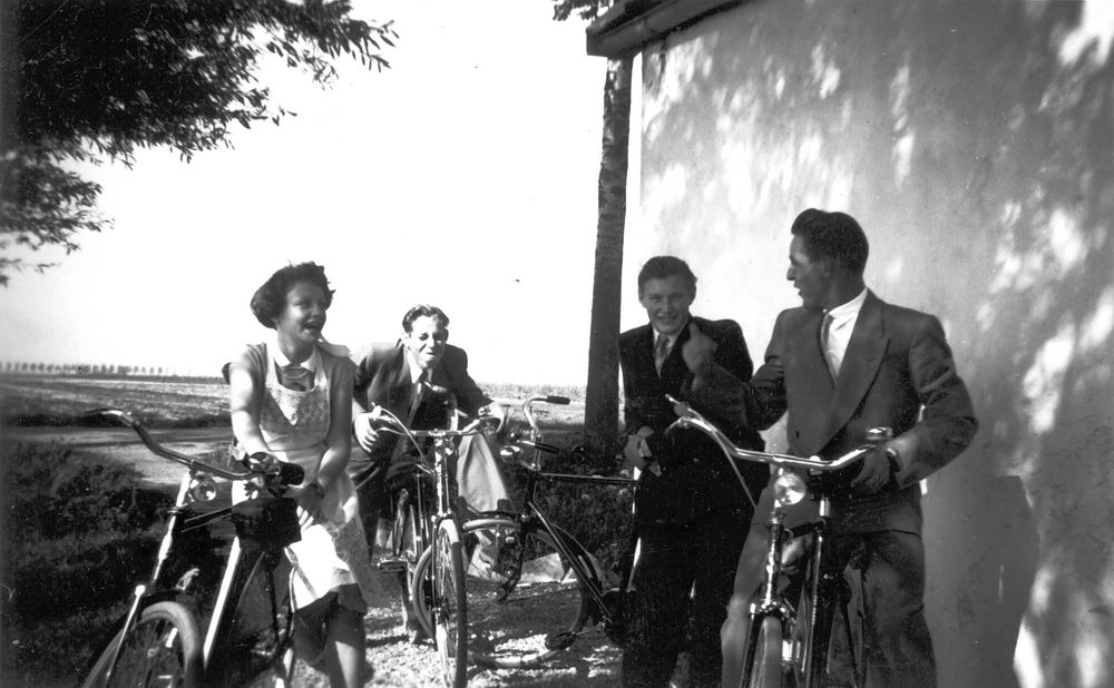<b>ZOEKPLAATJE:</b>Meer Albertus vd 1935 19__ met Onbekenden 03