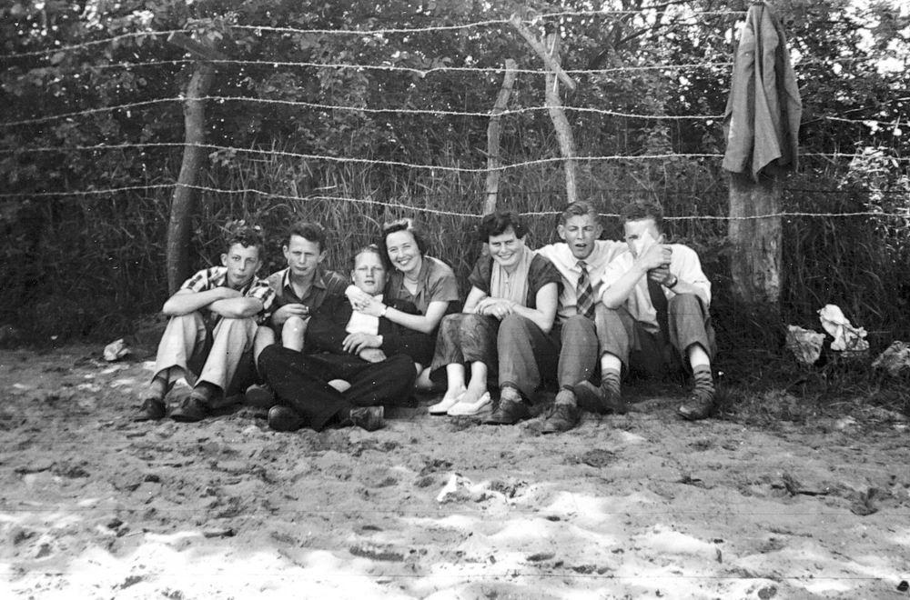 <b>ZOEKPLAATJE:</b>Meer Albertus vd 1935 19__ met Onbekenden 05