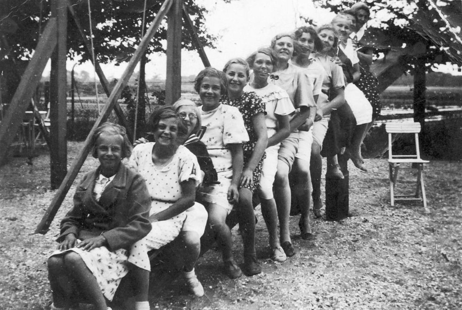 Meisjes Vereniging IJweg Gebouwtje v Brouwer 1935 01