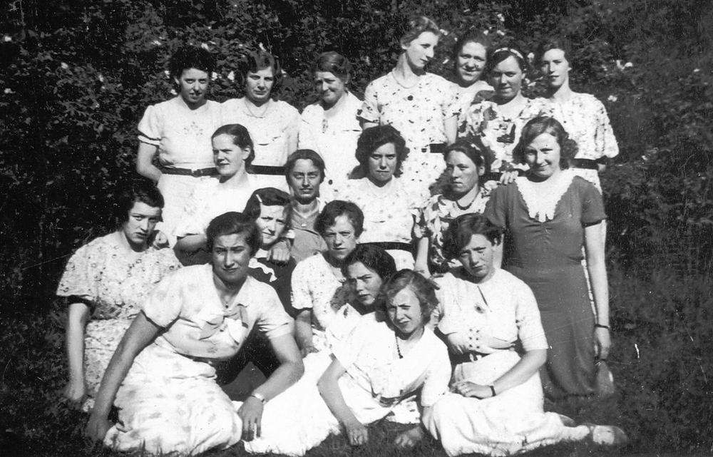 Meisjesvereniging Rijk 1935± met Jaan Stieva 32