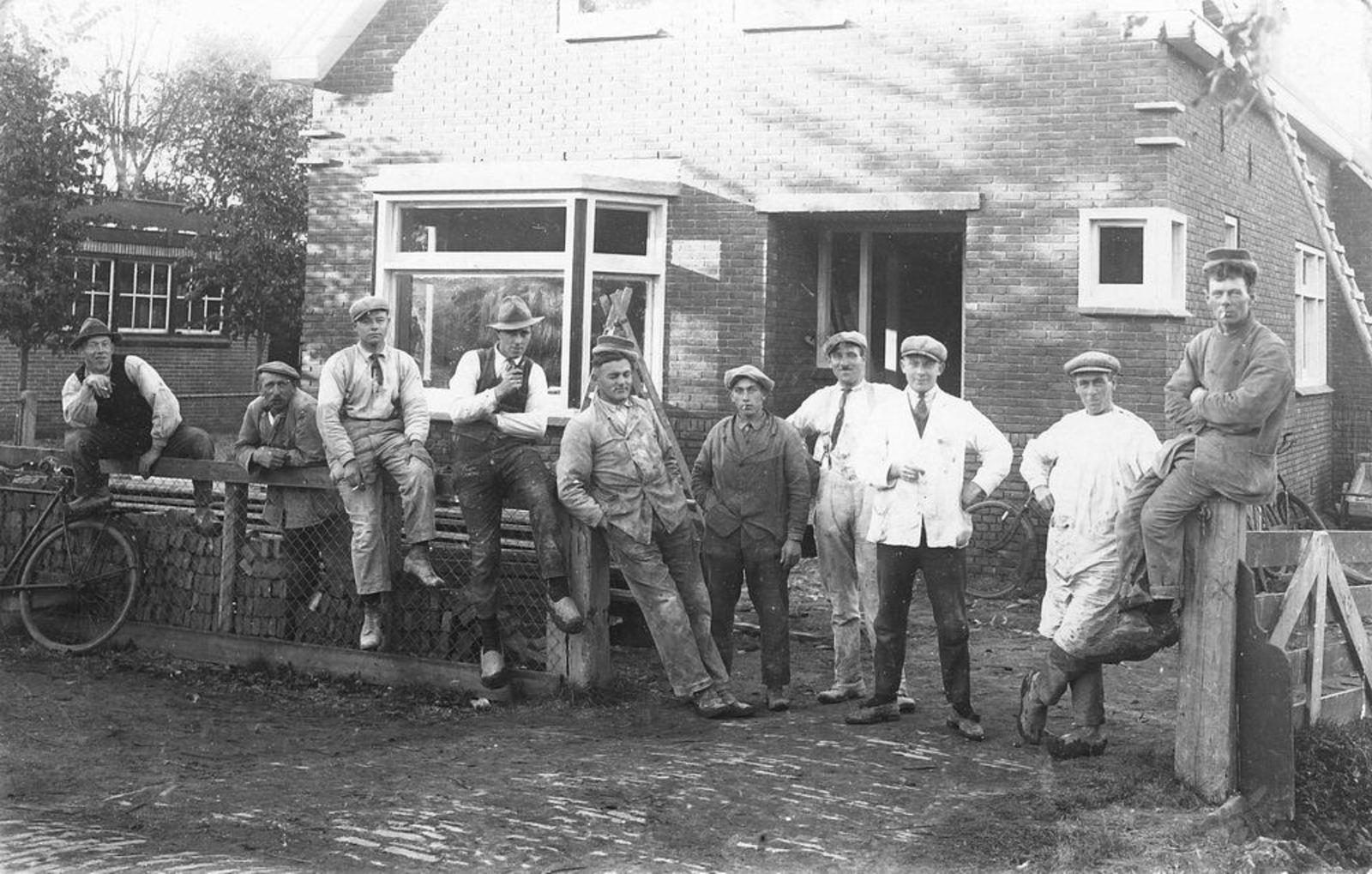 Mienis Firma 1930± bij Onbekend misschien ook Wervershoof