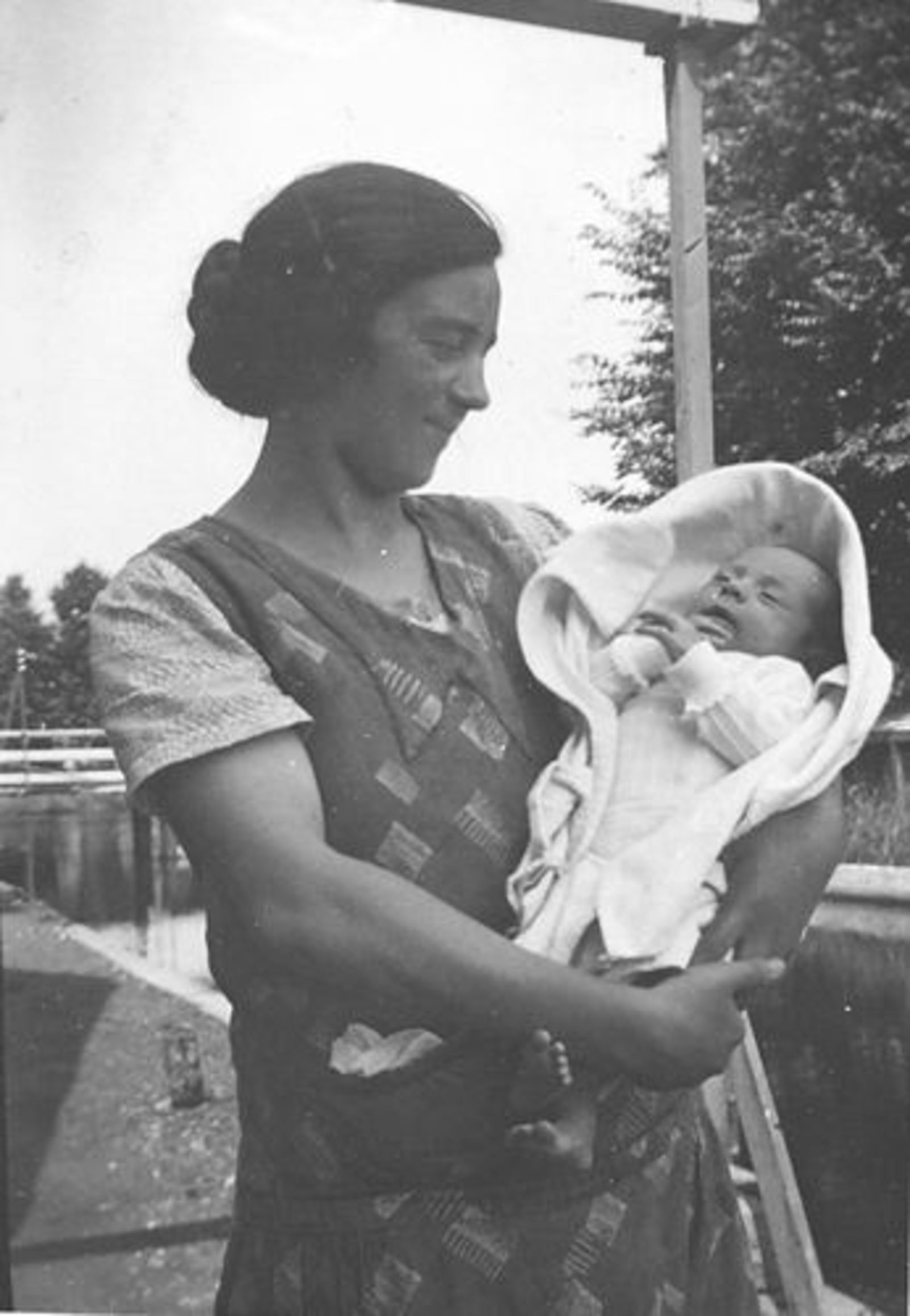 Mulder Elsje Tdr 1905± 19__ met dochter Trijnie Keessen