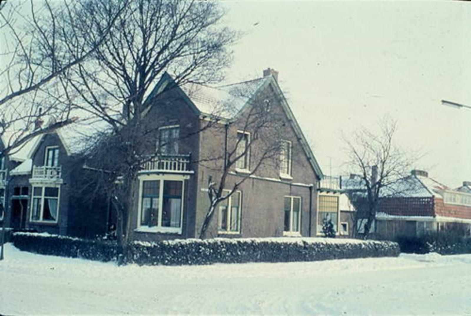 Nieuweweg O 0058 1962± Huize Mannessen