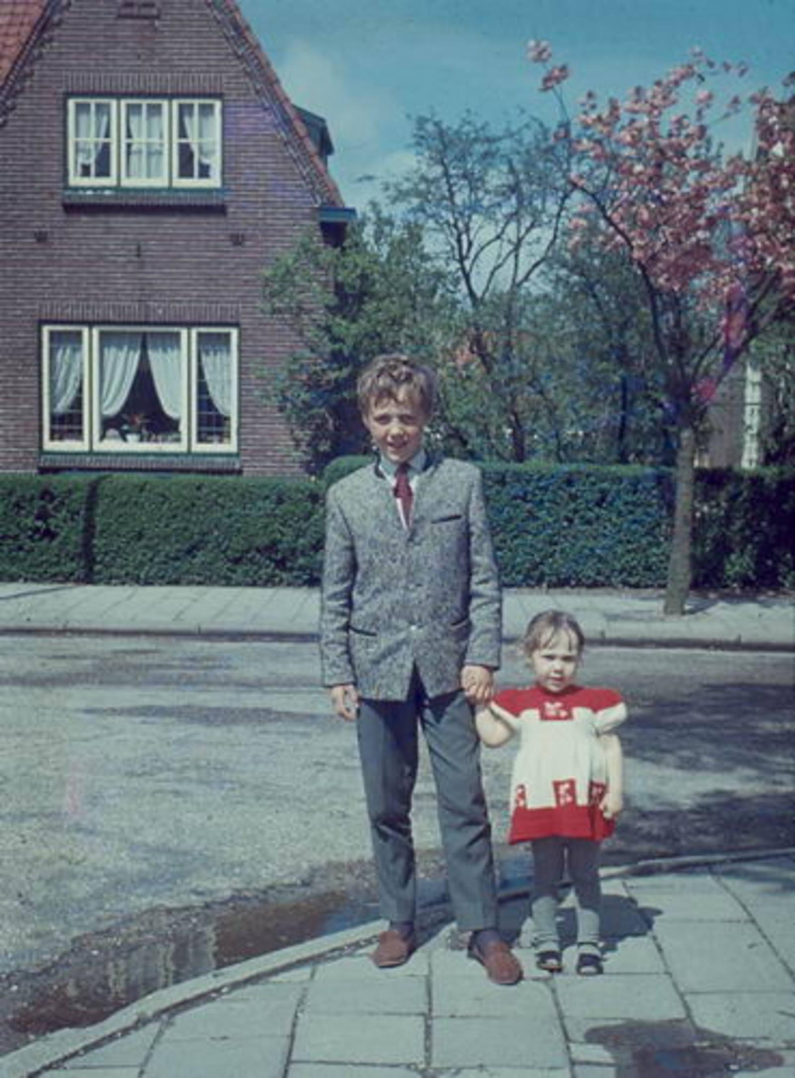 Nieuweweg W 0033 1965± Huize Hoogstraten met Kinderen Mannessen