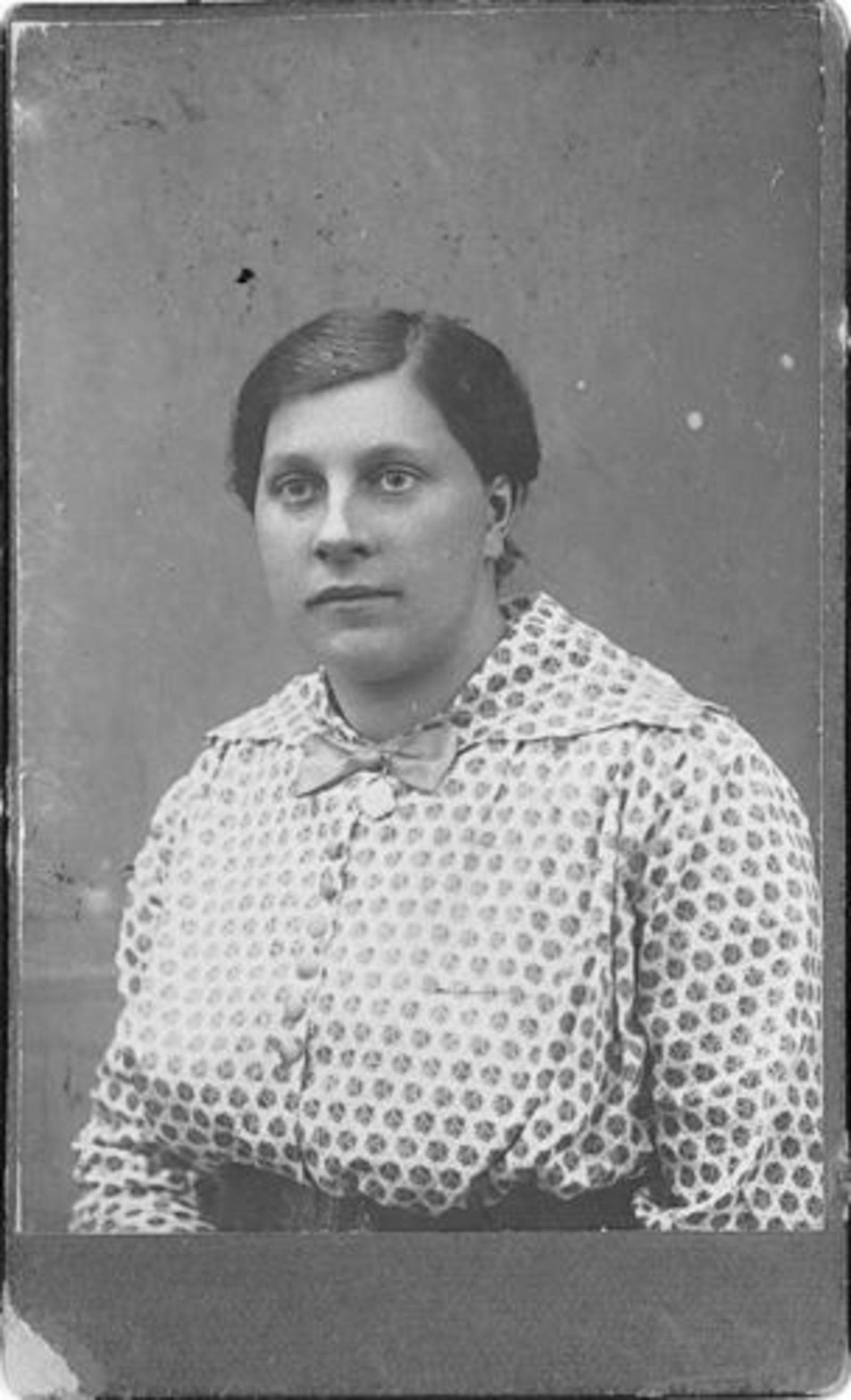 Nieuwkoop-Mol Lies 1888 19__ Portret 01