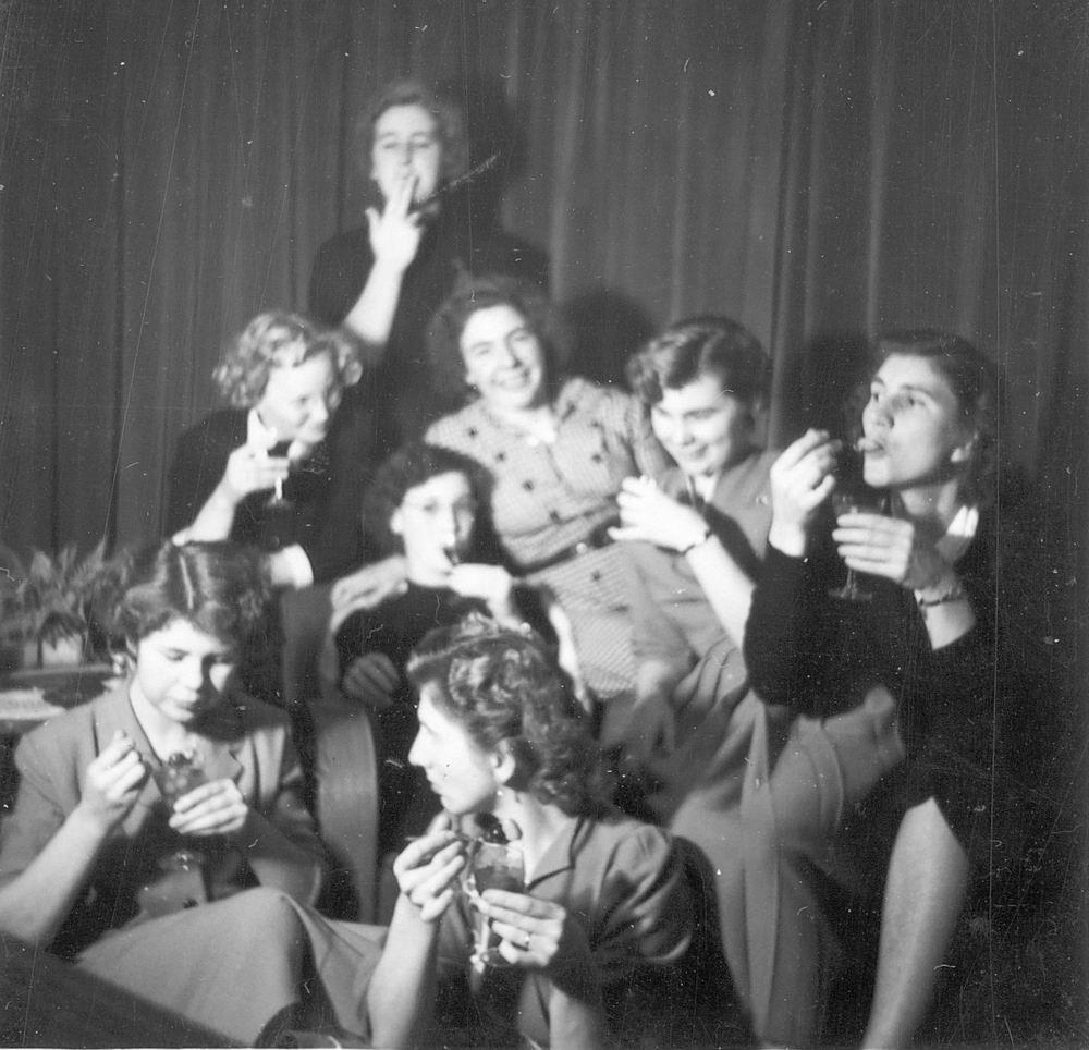 <b>ZOEKPLAATJE:</b>&nbsp;Onbekend Wil 1953 Verjaardag op 30 Nov