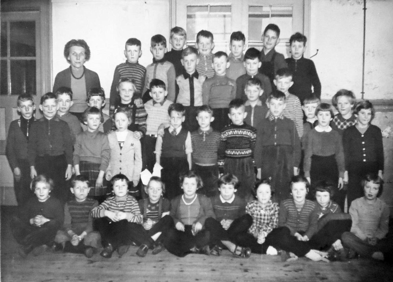 Openbare School 07 1957± met juf Aberson