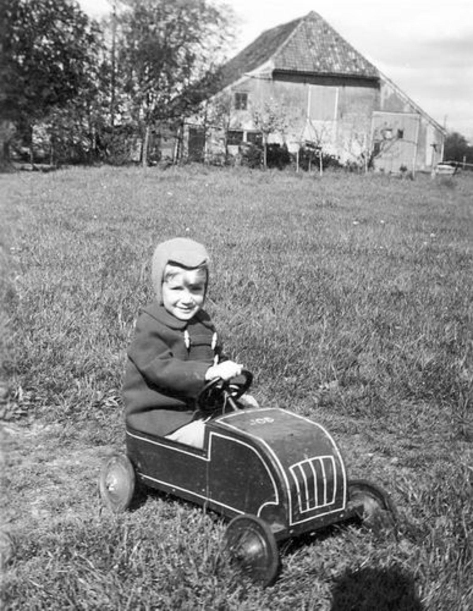 Oude Kruisweg Z 0210 1955± met Ben Pijpers in Trapauto