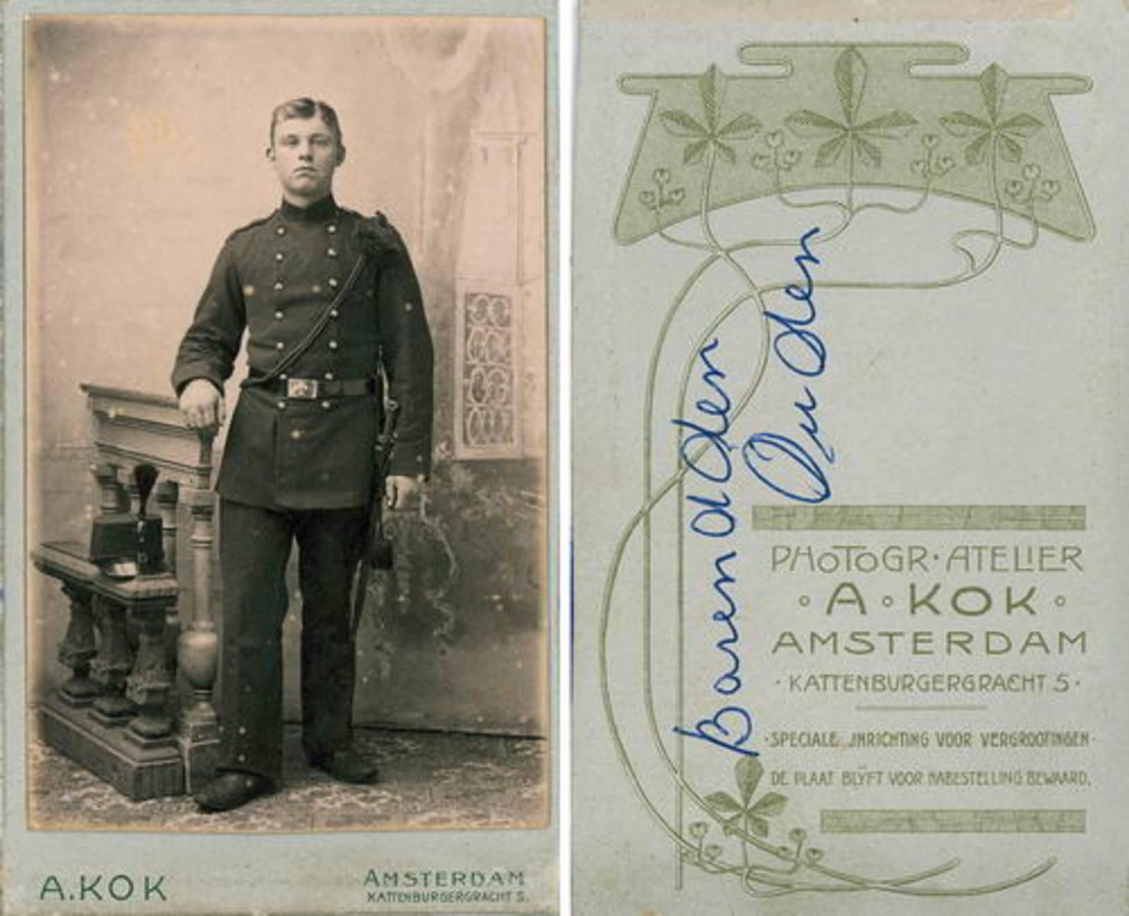 Ouden Barend Dzn den 1887± 19__ Militair bij Fotograaf