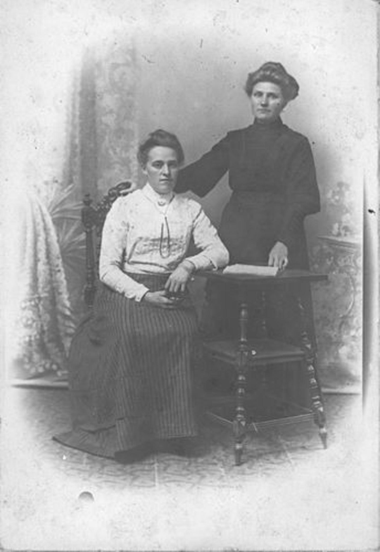 Ouden Hillegonda Dirkdr den 1889 19__ met nicht Hillegonda Druif
