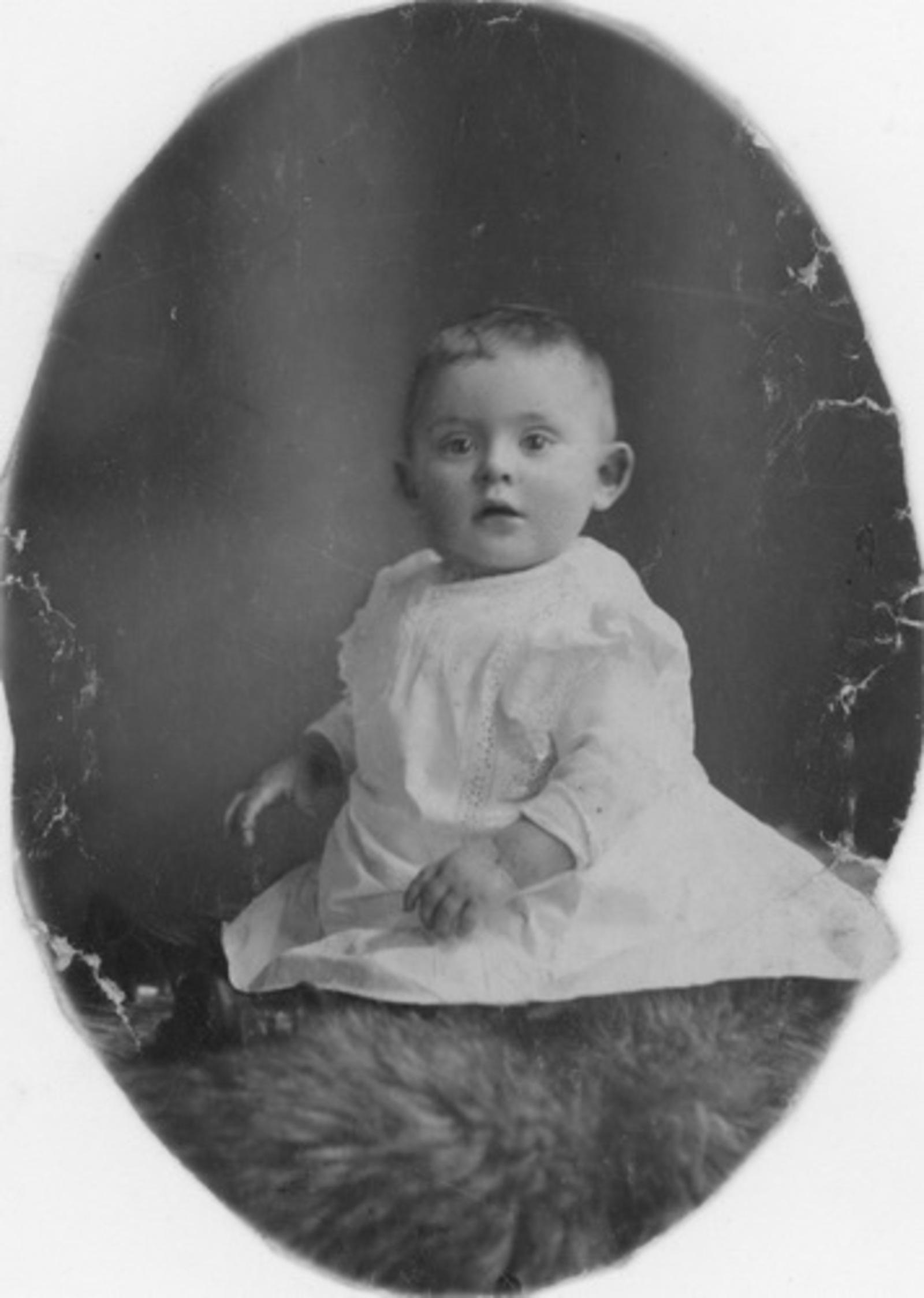 Ouden Jan J 1918 1919 Peuter bij Fotograaf
