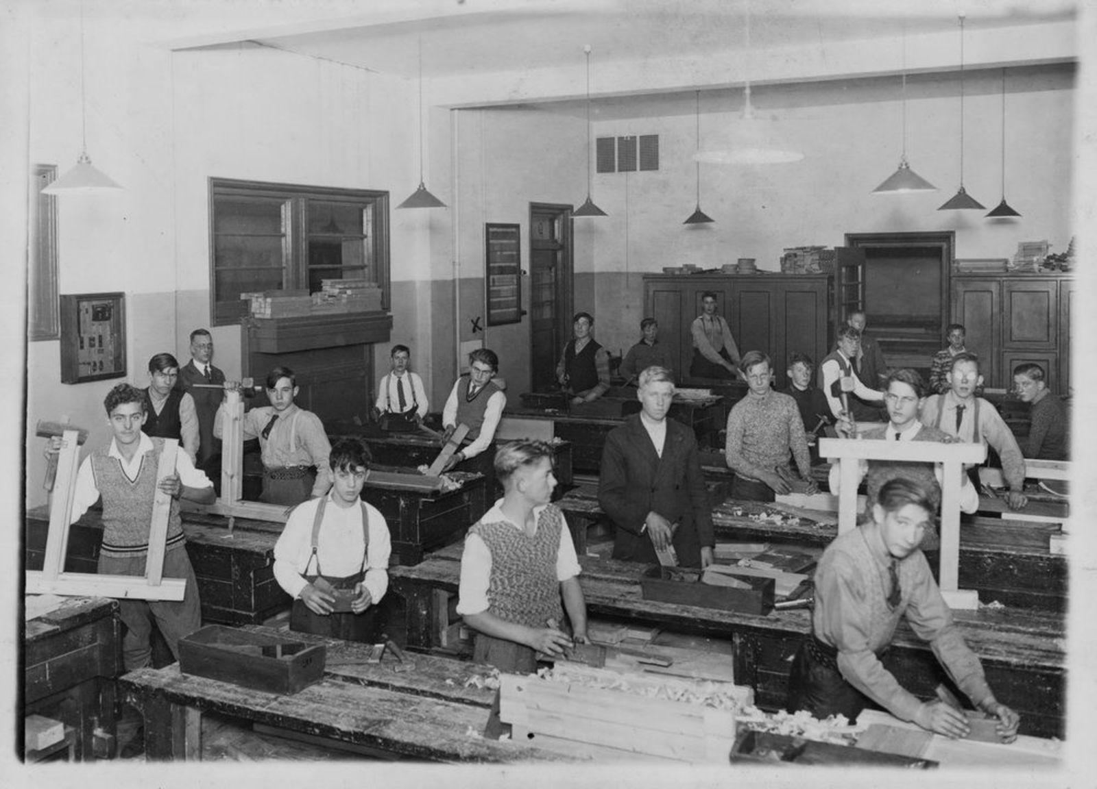 Ouden Jan J 1918 1933 op Ambachtschool in Amsterdam