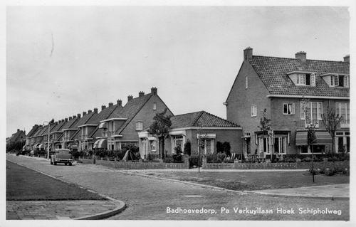 Pa Verkuyllaan 1953 hoek Schipholweg