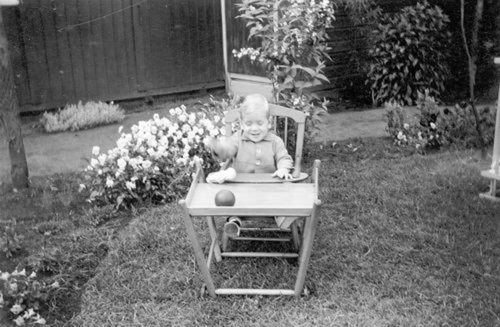 Pijpers Ben 1952 1953± in Tuin in Kinderstoel