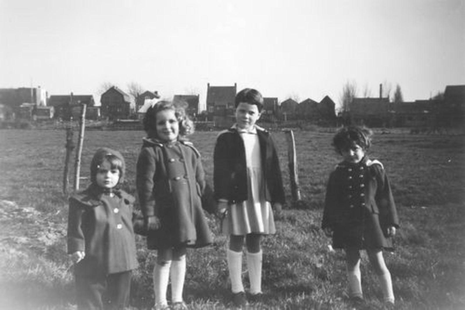 Pijpers Cees 1924 1959± Kinderen in Weiland 01