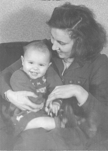 Pijpers Jo 1926 19__ met Onbekend Kind