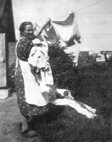 Pijpers-Mesman Trijntje 1896 19__ haalt Was vd Lijn