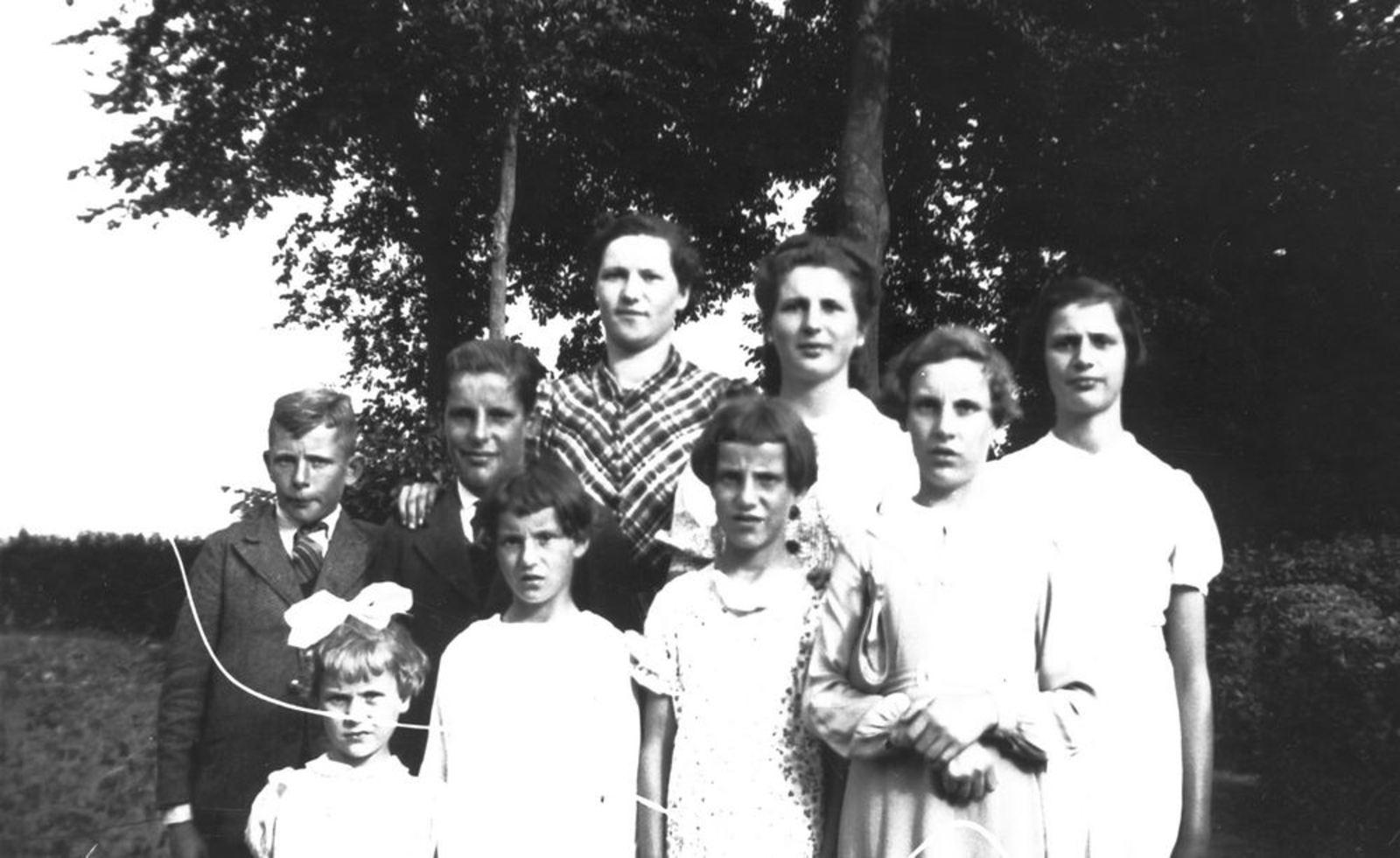 Pijpers-Mesman Trijntje 1896 1939± met Kinderen