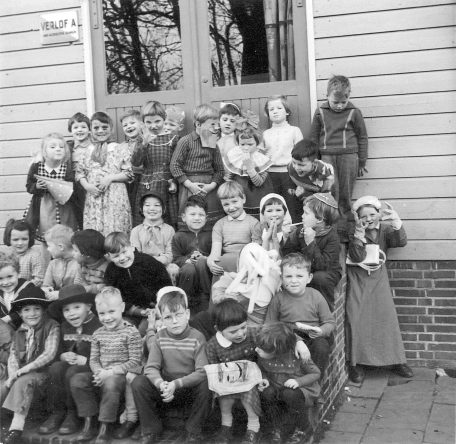 Pijpers Rob 1953 1960± Klassefoto Kleuterschool Aalsmeer