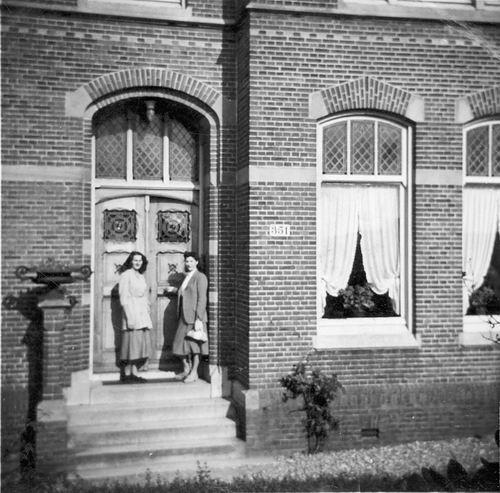 <b>ZOEKPLAATJE:</b>Pijpers Thea 1925 19__ bij Onbekend Gebouw Huisnr 351