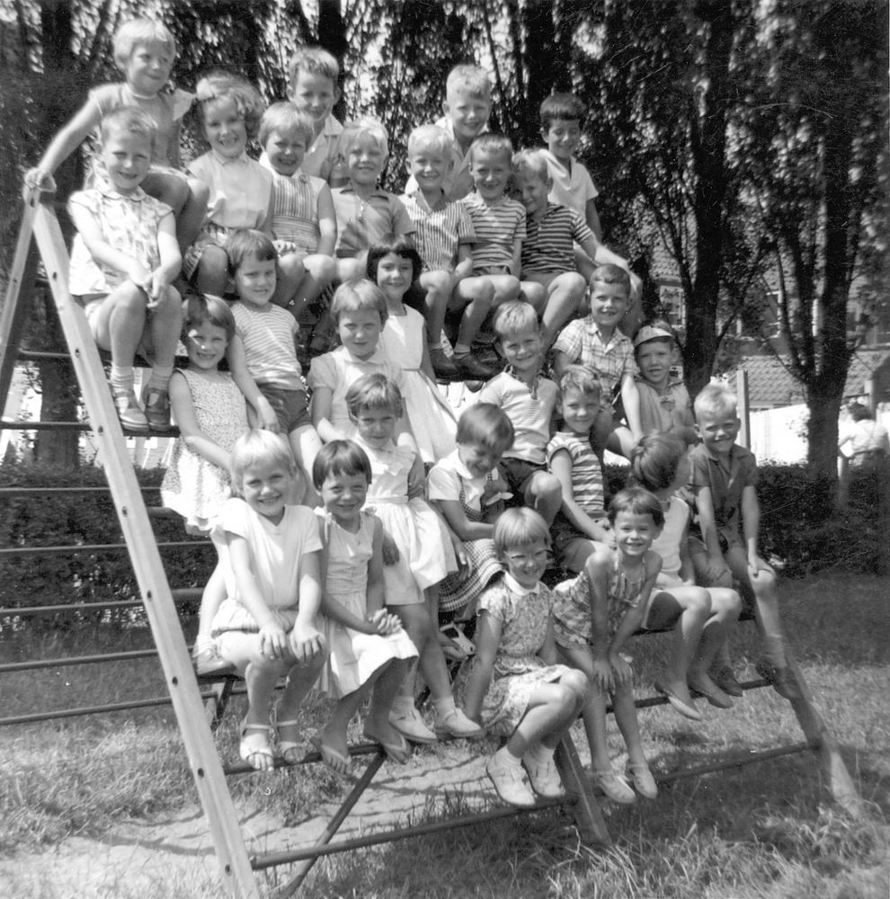 <b>ZOEKPLAATJE:</b>Pijpers Veronica 1955 19__ Klassefoto in Heemtede