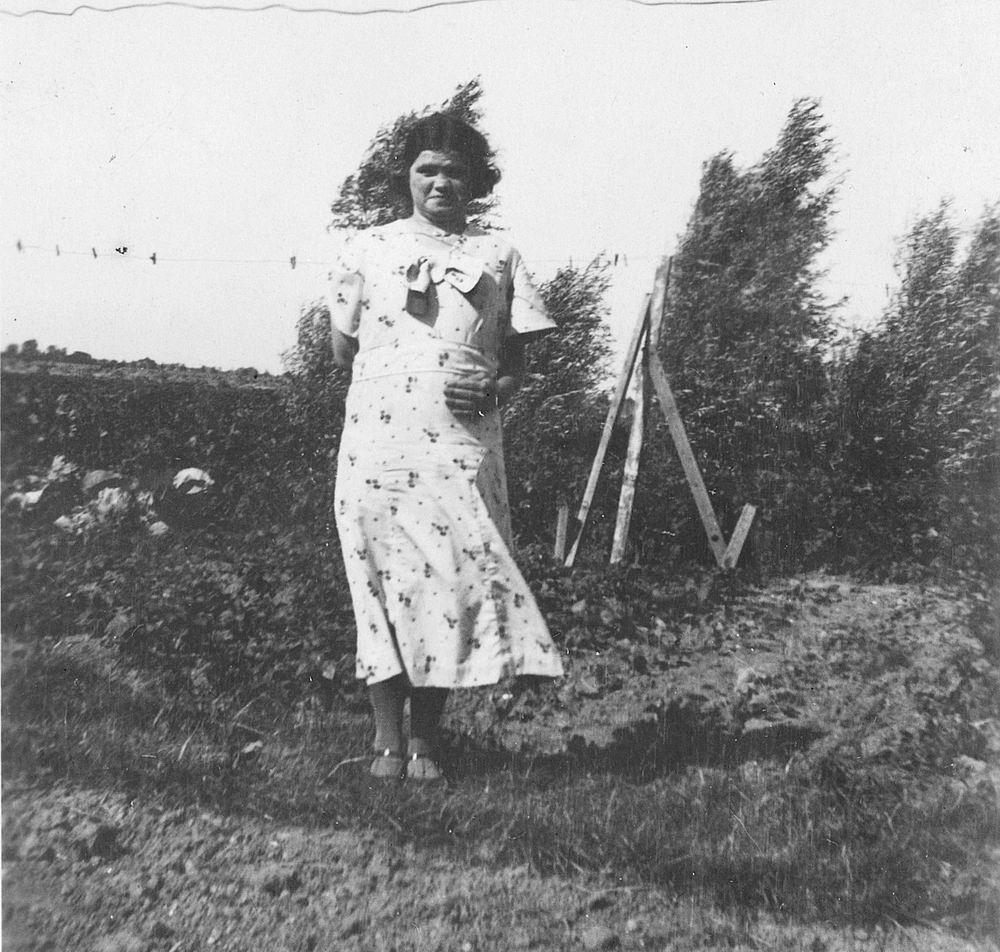 Pol - Slinger Lena vd 1914 19__ met broer Johan en Onbekend 05