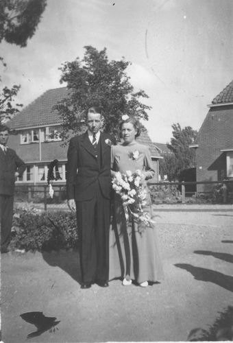 <b>ZOEKPLAATJE:</b>poll vd Onbekend 1943 951