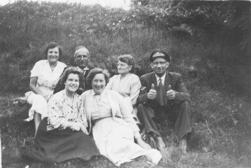 Pol - Kreeft Paulina C vd 1906 1956 Uitje met Buschauffeur ea