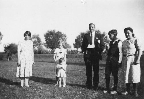 Poortvliet Daan 1916 19__ Buiten met Onbekend 01