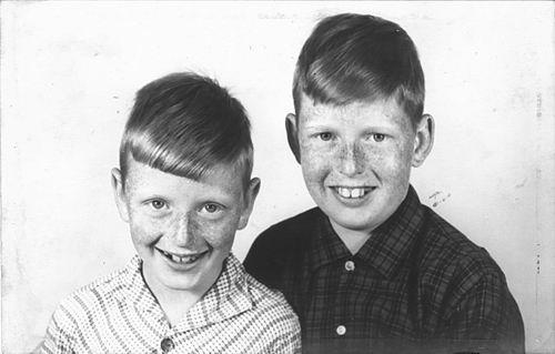 Poortvliet Daan Jr 19__ Schoolfoto met broer Dirk