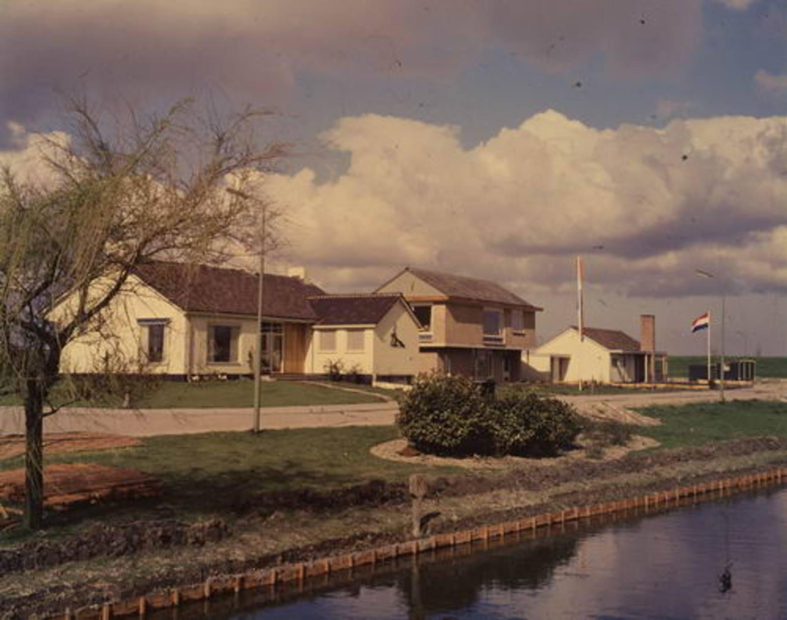 Raadhuislaan 0048 1961 Goudkust in aanbouw