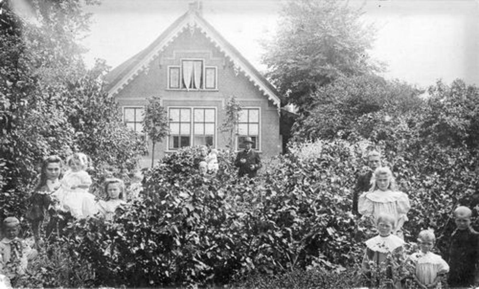 Rijnlanderweg O 0878 1905 met fam Biesheuvel-Noordam