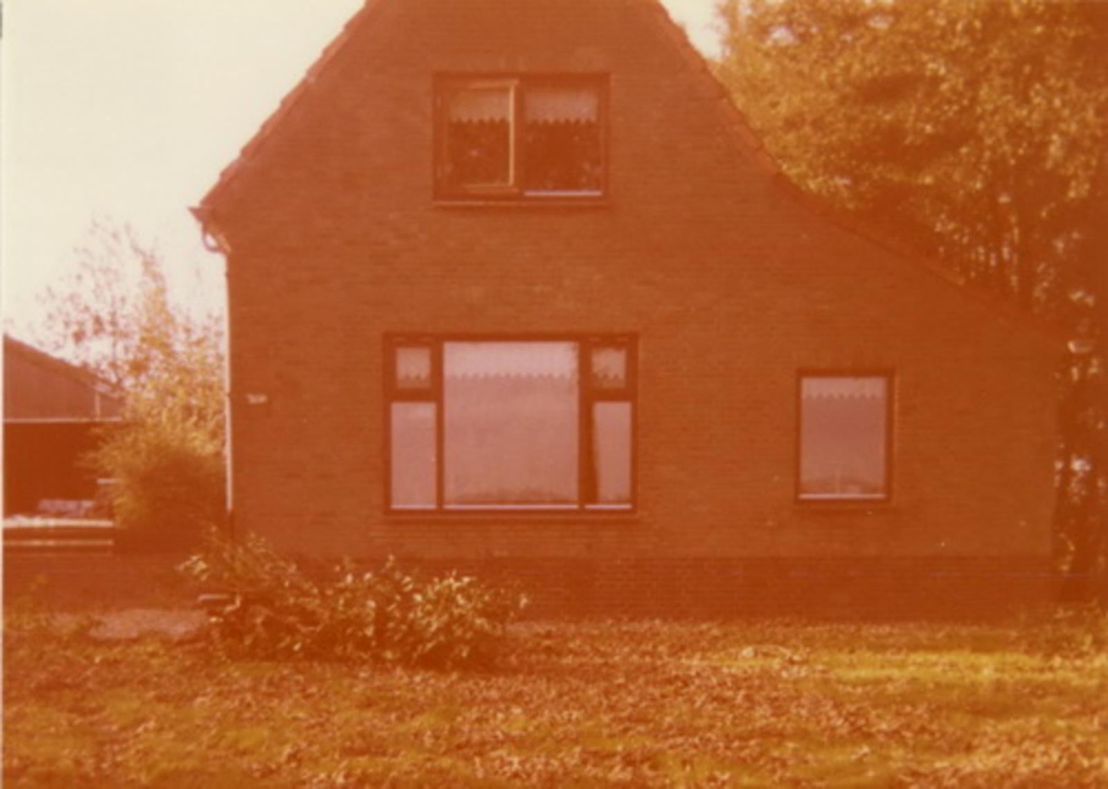 Rijnlanderweg W 1067 19__ huize fam Avis