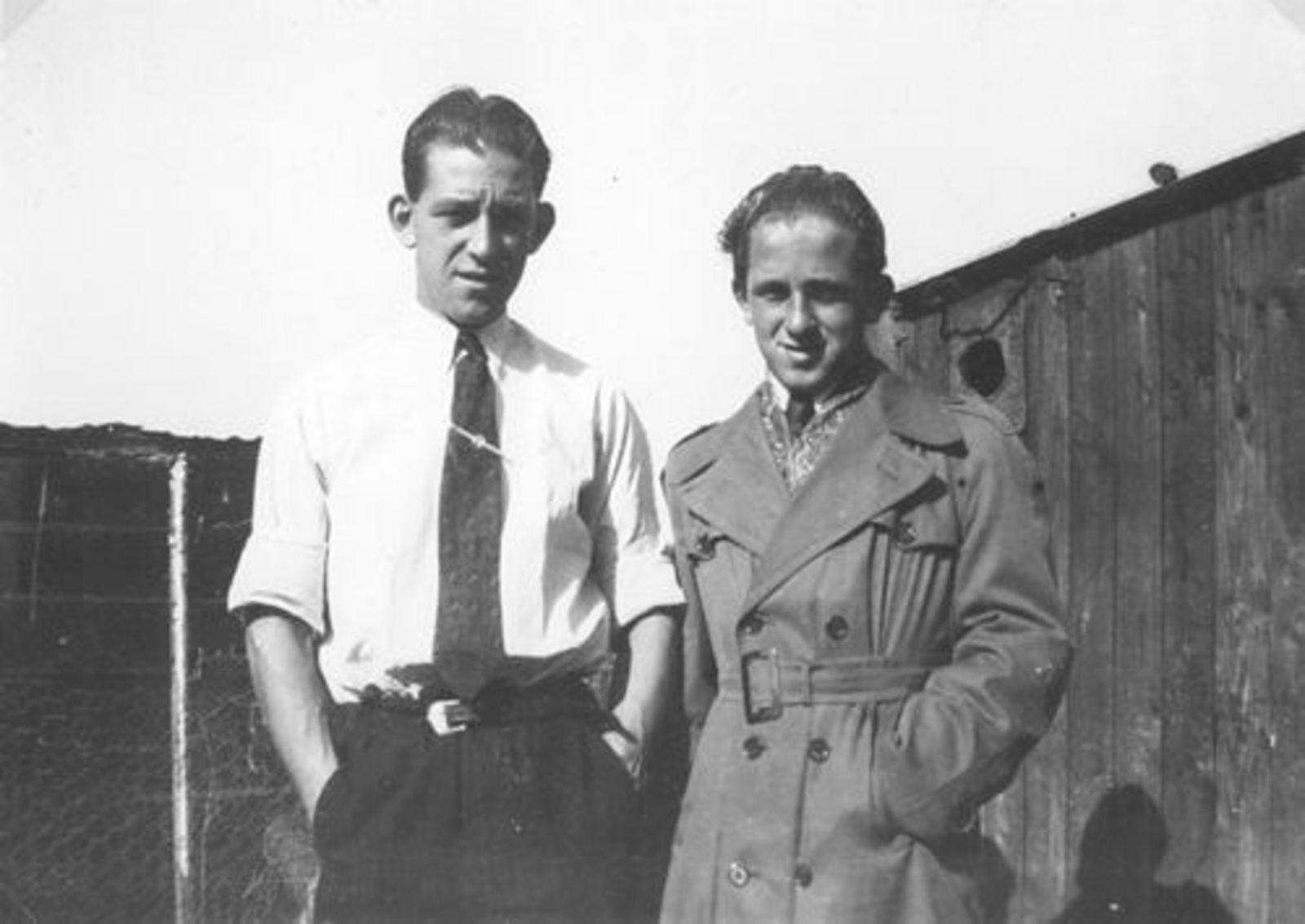 Robijn Joop 1932 19__ met Broer Hannes