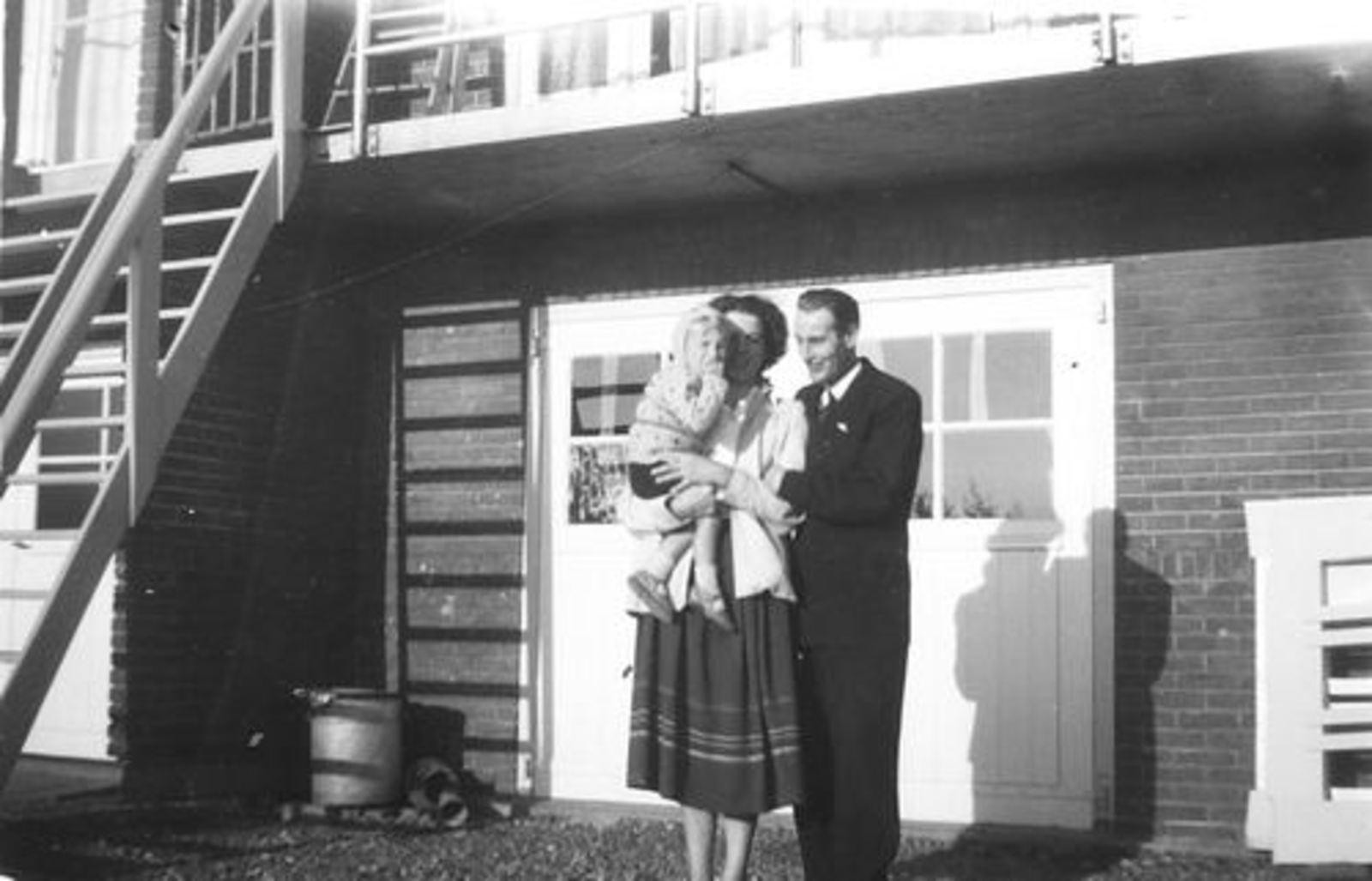 Schipholdijk 0205 1949± met fam Galis bij fam Jan Ekkerman 04