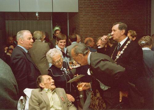 Schreuders Cornelis 1908 1982 Krijgt Verzetherdenkingskruis 02