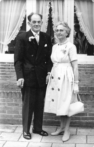 Schreuders Cornelis 1908 19__ met vrouw bij Trouwerij
