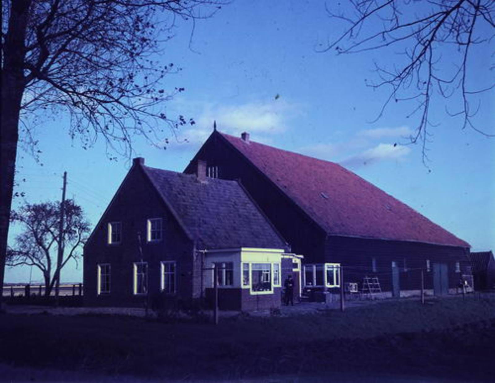 Sloterweg O 0504 19__ boerderij Eben Haezer van fam v Wijk 03