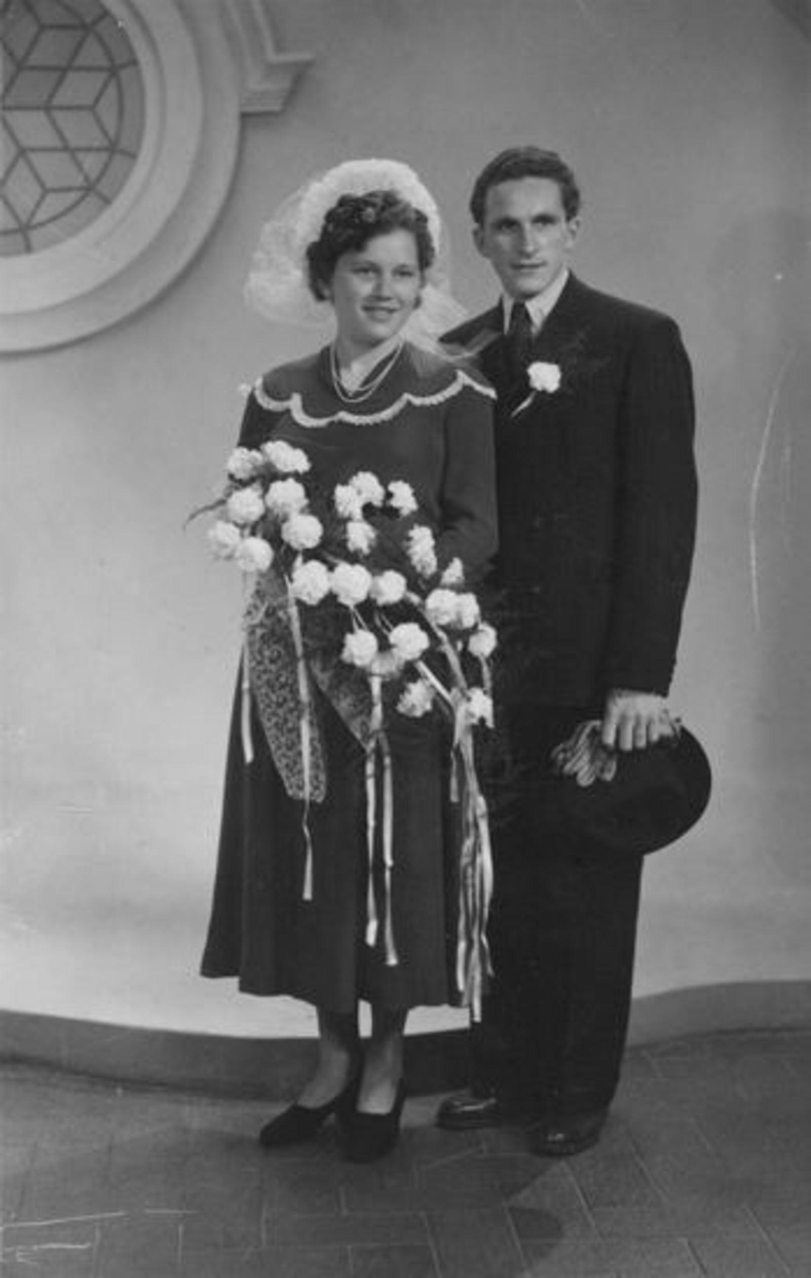 Sluis Alie 1925 1948 trouwt Gert Speelman