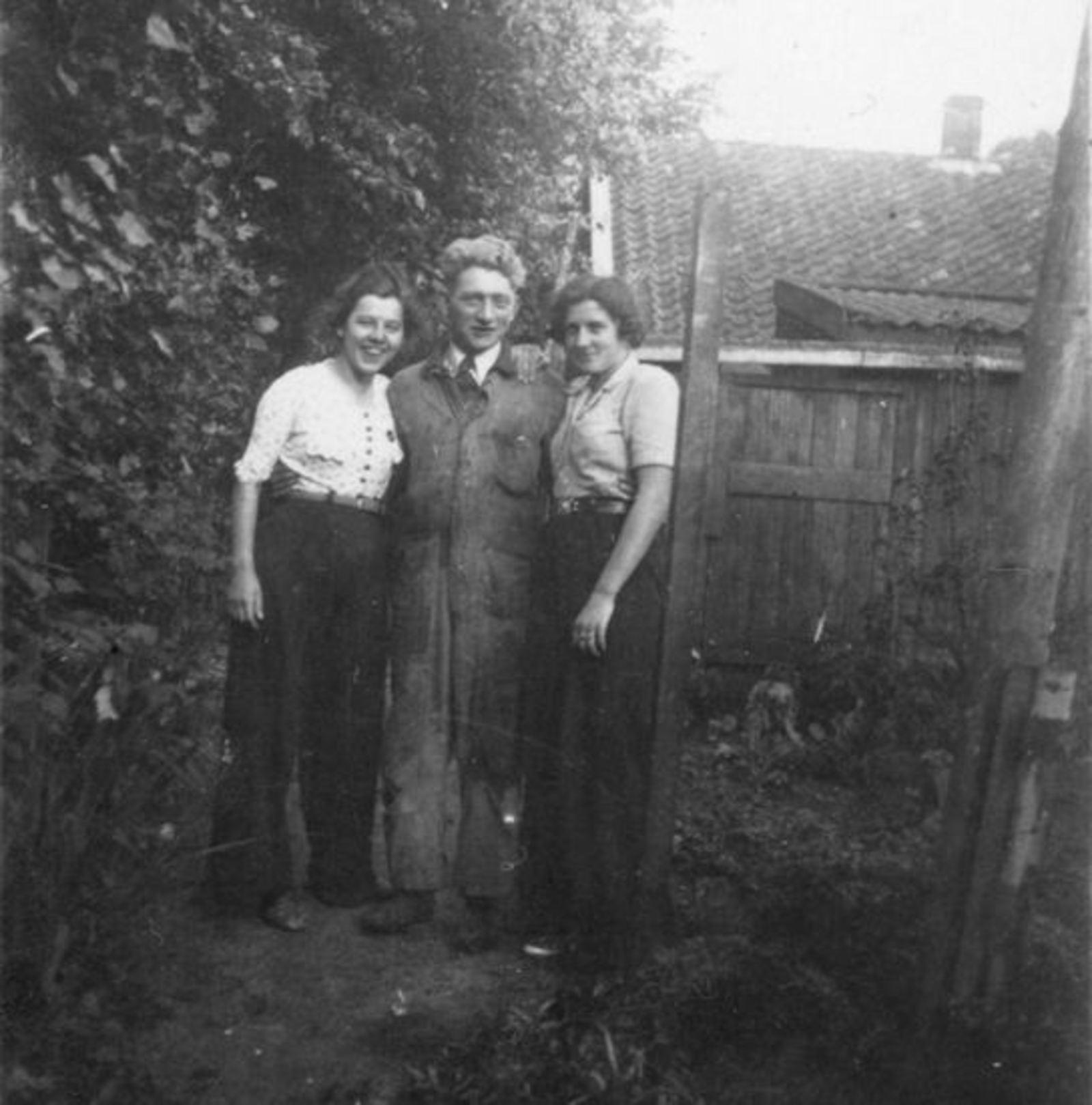 <b>ZOEKPLAATJE:</b>Sluis Gerrij 1917 19__ met Onbekenden