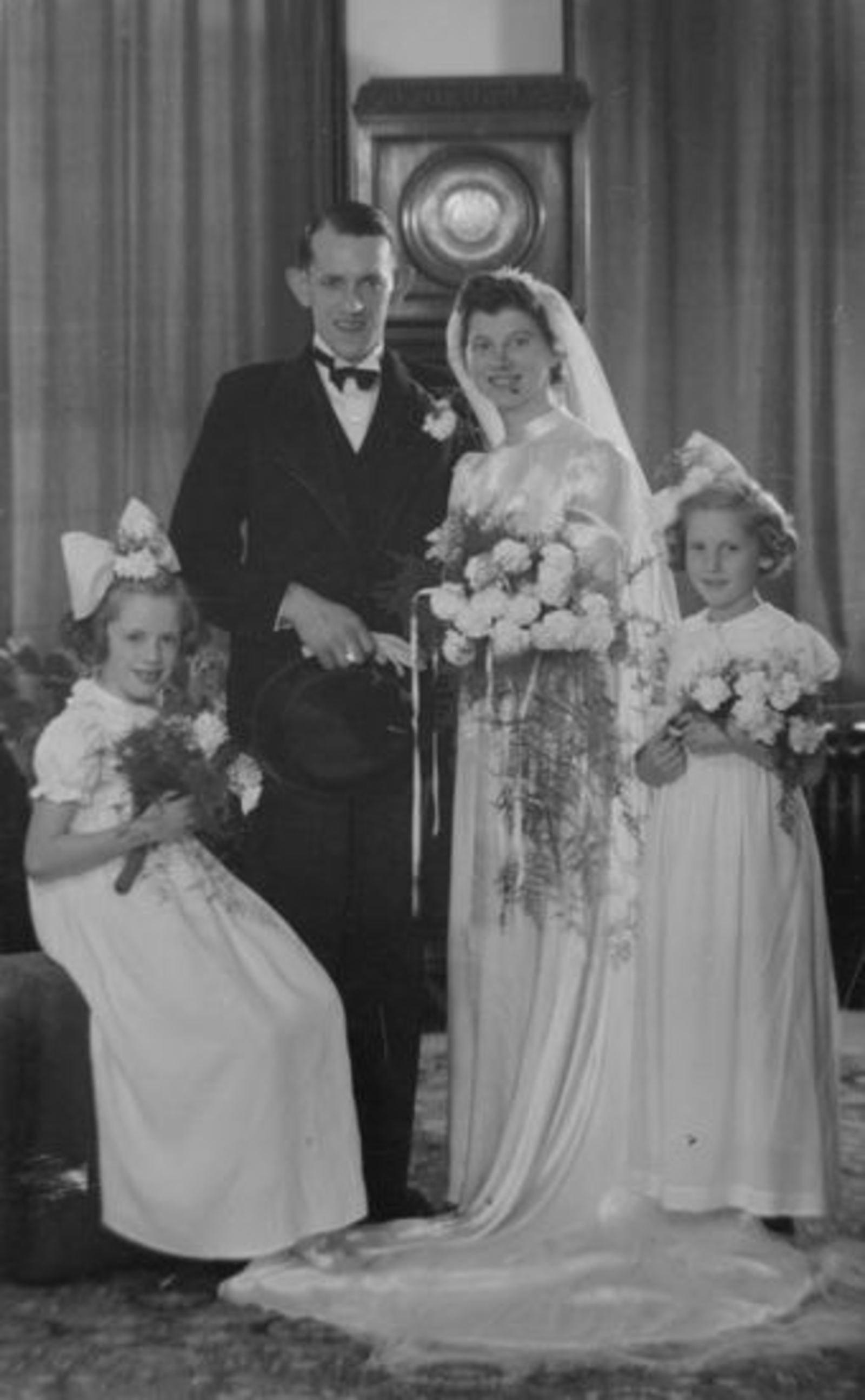 Sluis Hennie 1914 1946 trouwt Bert Bastiaan 01