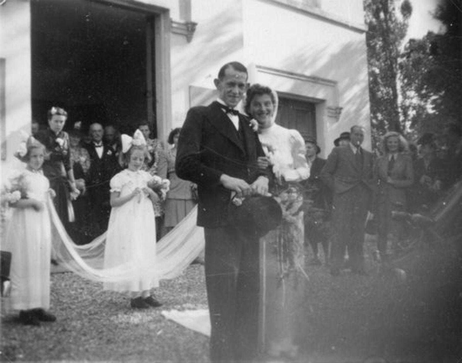 Sluis Hennie 1914 1946 trouwt Bert Bastiaan 02