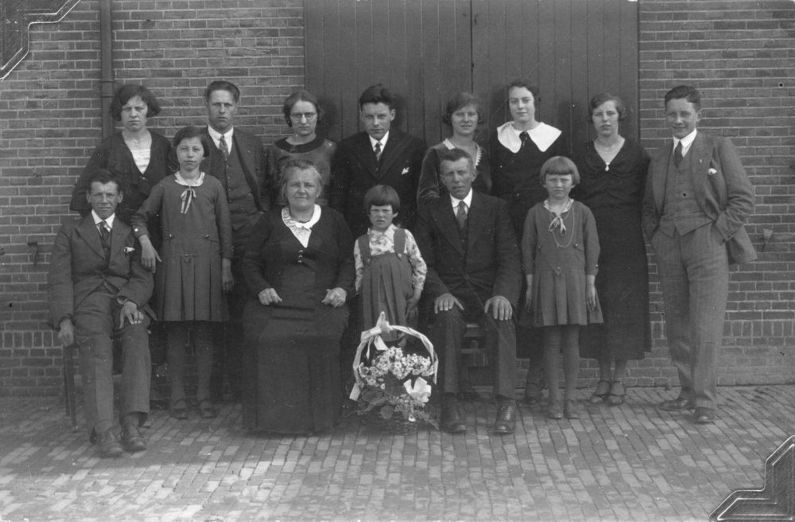 Sluis Jan 1878 1934 25jr Getrouwd met Pietertje v Voorst