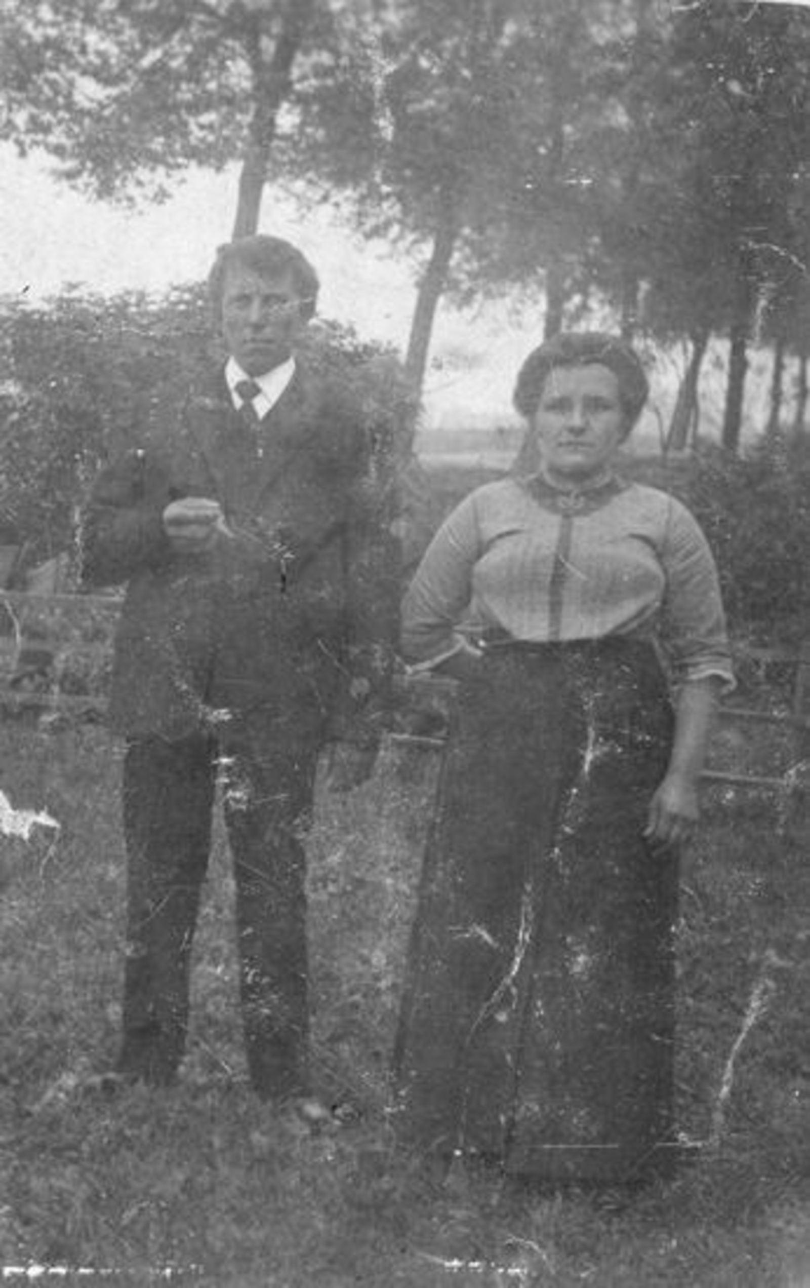 Sluis Jan 1878 19__ met vrouw Pietertje v Voorst