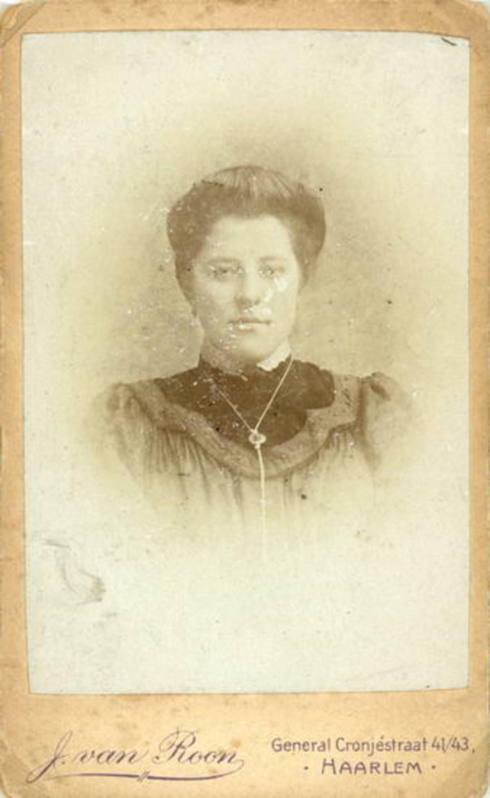 Sluis Jan 1878 19__ Portret met vrouw Pietertje v Voorst 02