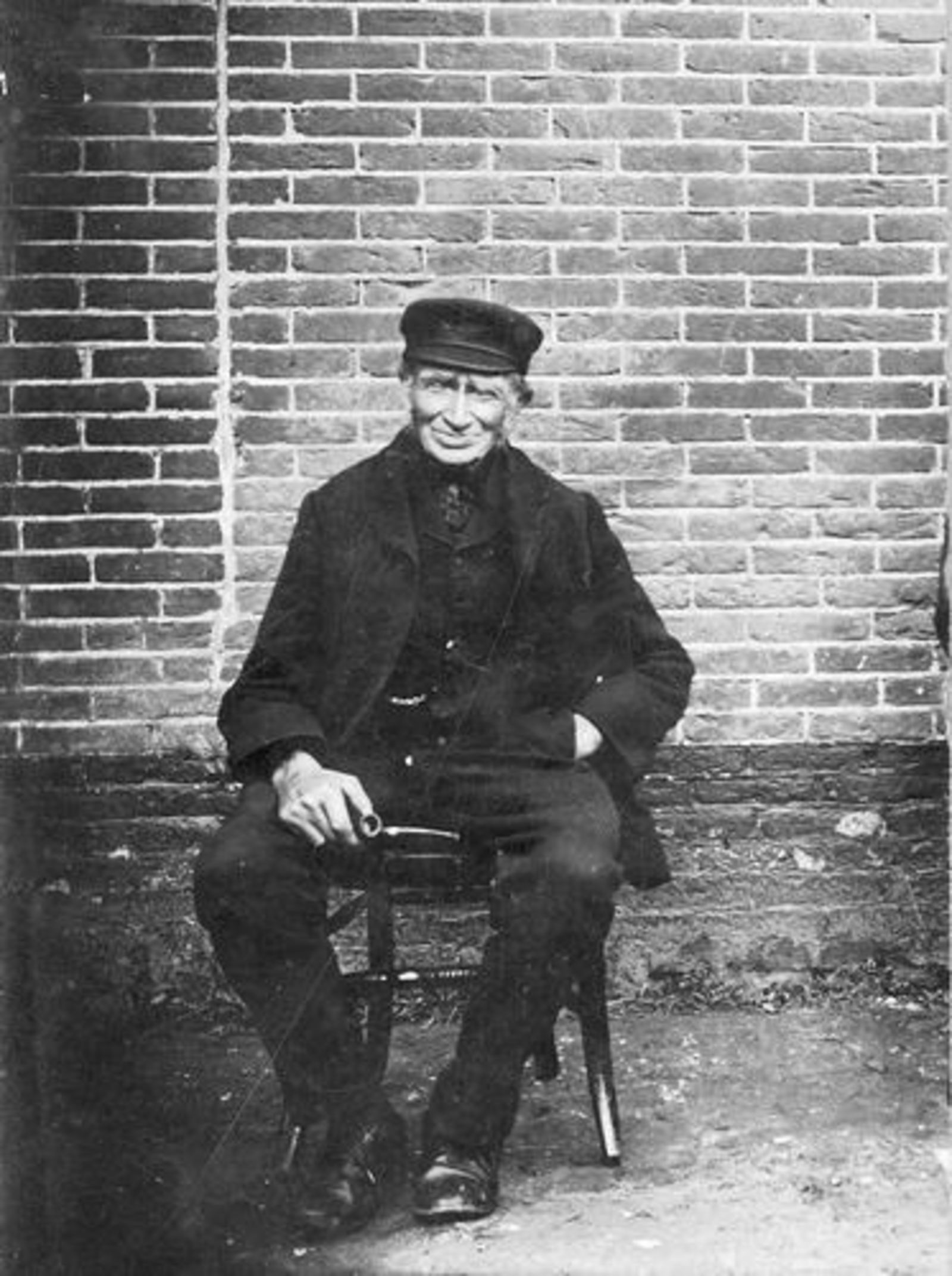 Stroomer Cornelis 1871 19__ buiten op Stoel