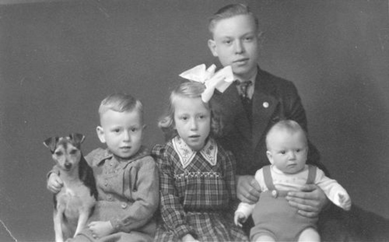 Stroomer Jan 1900 1931+ Kinderen bij Fotograaf